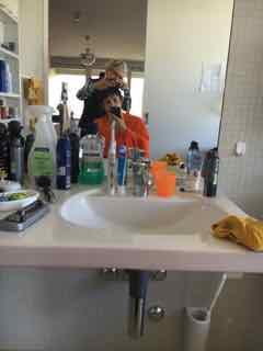 Während der Mittagspause die Haare schneiden