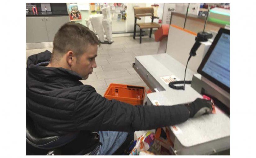 Die erste Zahlung am Zahlterminal bei der Migros