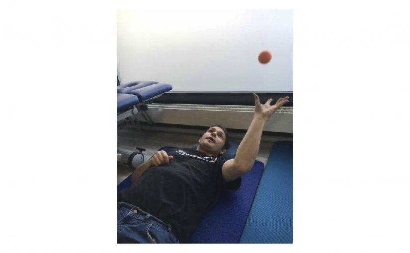 Physiotherapie auf dem Boden