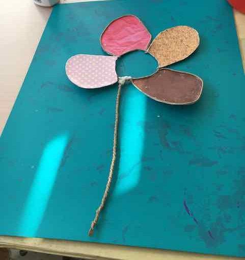 Eine Papierdaraht-Blume