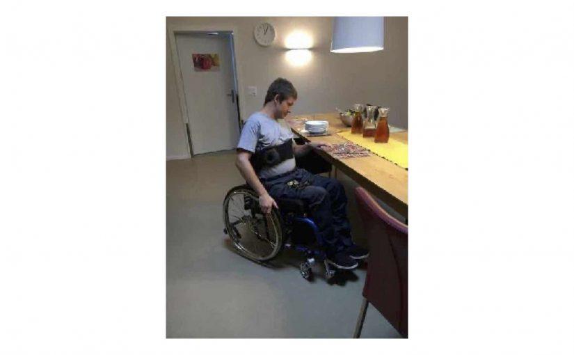 Buchzusammenfassung, Rollstuhl-Runde und Standing